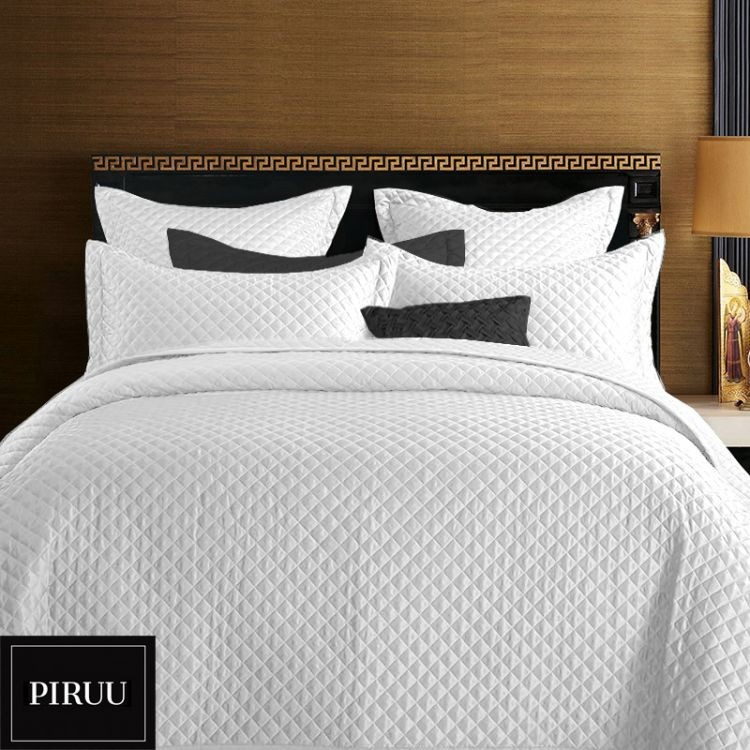 7a82fd03ecd1 Scandi Přehoz na postel PIRUU 160x200 cm - bílý